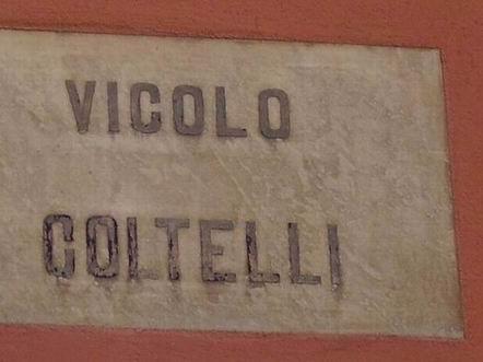vicolo Coltelli