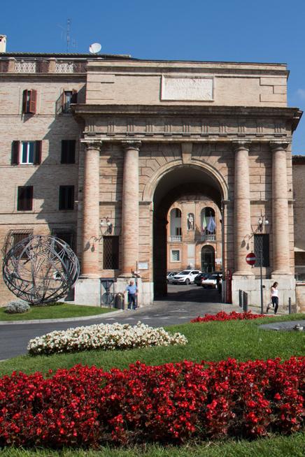 Porta mercato vista posteriore associazione culturale - Porta anteriore ...