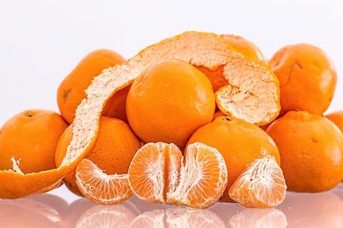 abbracci e mandarino