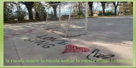 atti vandalici sulla pista di pattinaggio Gioco del pallone 1