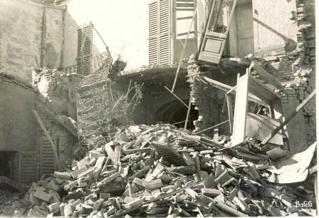 bombardamento via s.maria-della-porta_3-aprile-1944-foto-fondo-Montanari