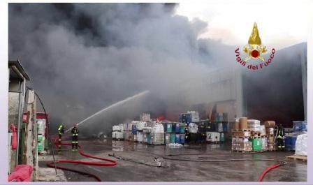 orim vigili del fuoco al lavoro