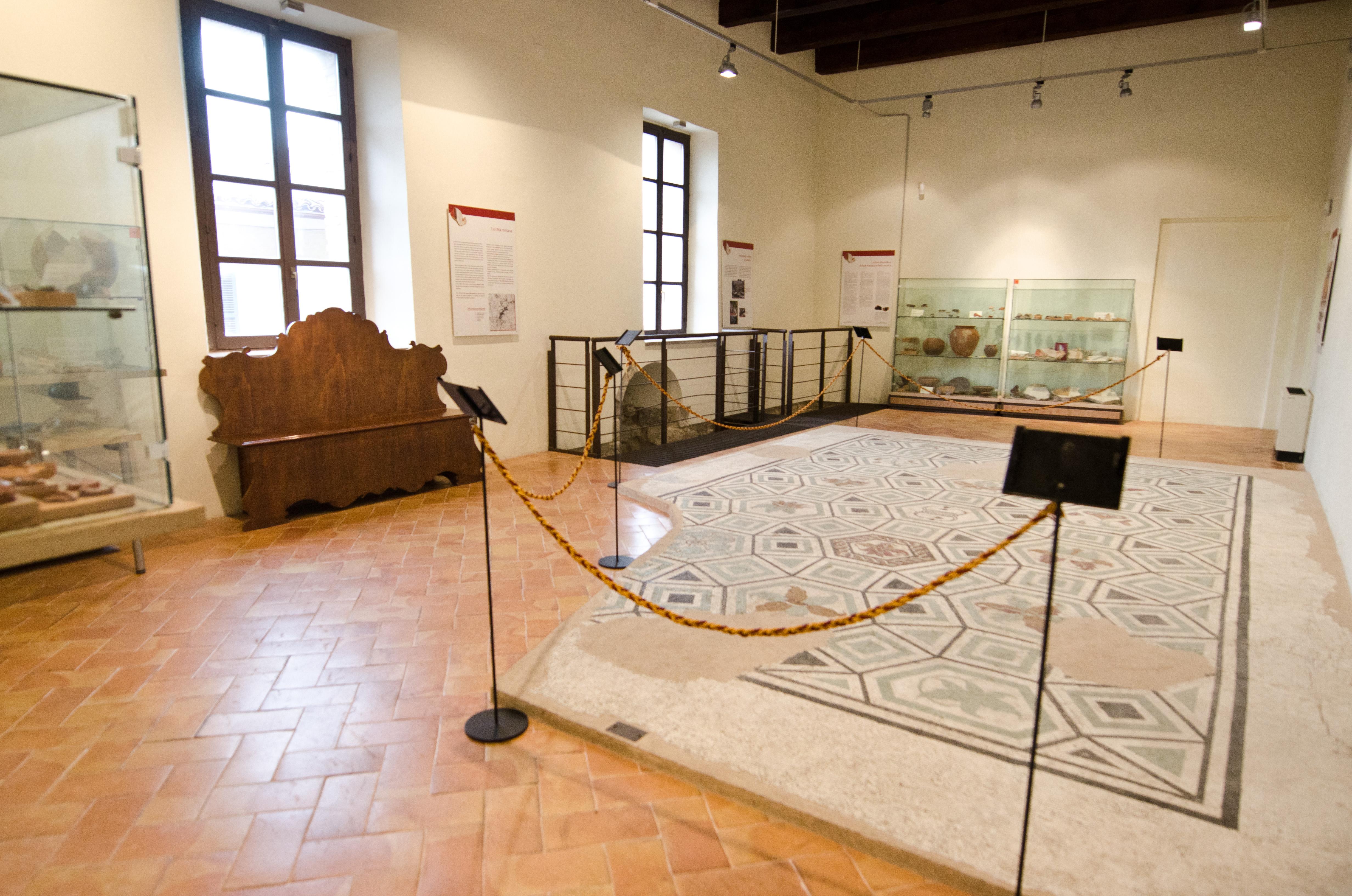 p 8 camerino mosaico romano