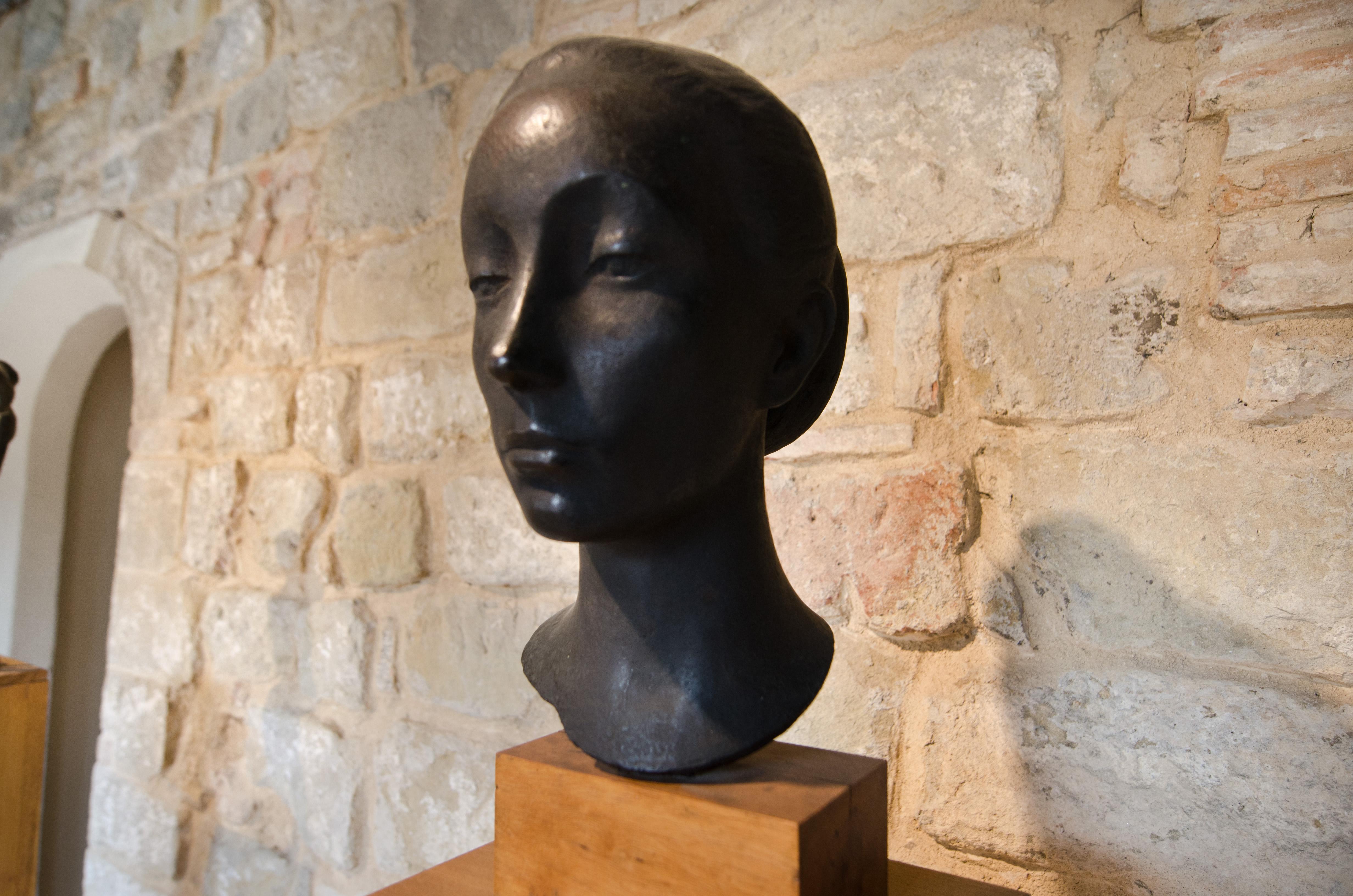 p 8 camrino scultura bartoccini