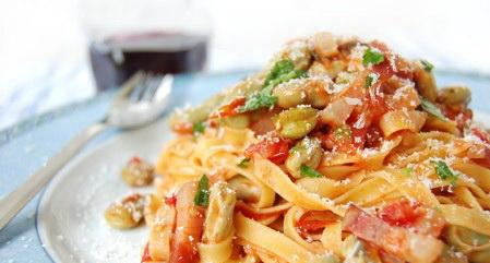 pasta fava pancetta pomodorini
