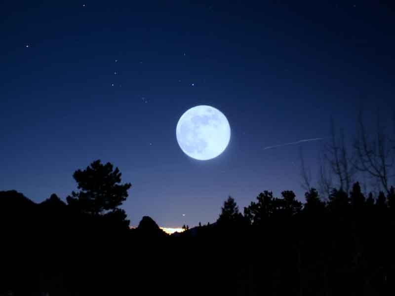sta-immobile-la-luna