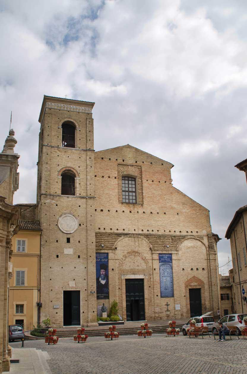 Piazza Strambi, il Duomo